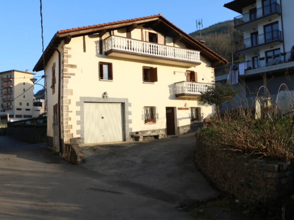Casas en Venta en Berastegi Centro Gipuzkoa, AT001392