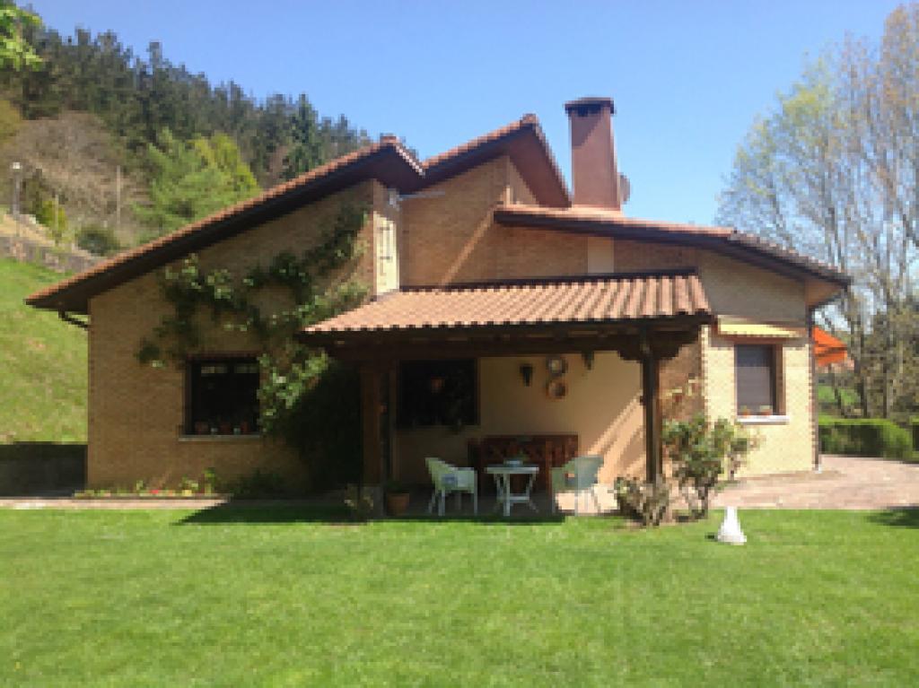 Casas en Venta en Berastegi Centro Gipuzkoa, AT001422