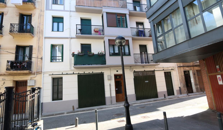 Piso con inquilino en venta en Larramendi, Tolosa