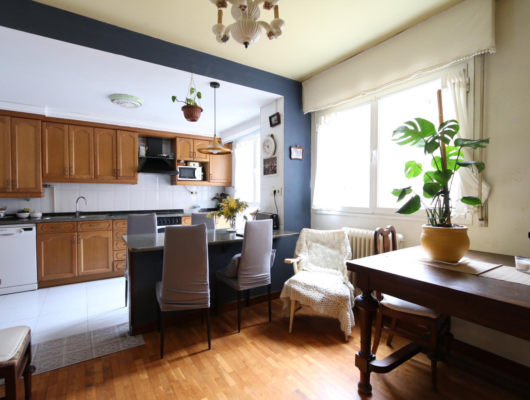 Piso de 4 habitaciones en venta en Tolosa, Larramendi